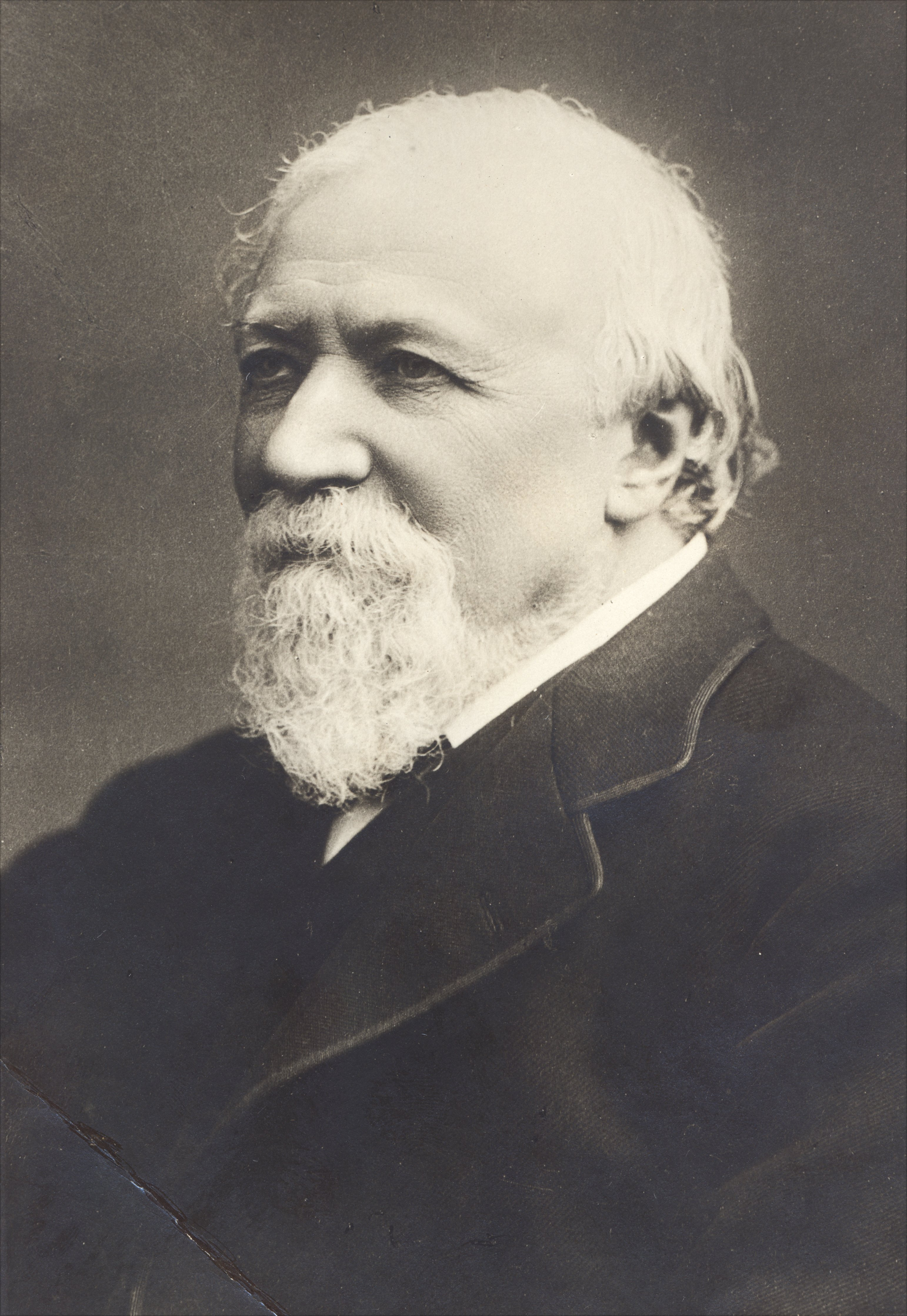 robert browning essays Robert browning, one of the most talented poets of the victorian period, is famous especially for his dramatic monologues often these long poems deal with such issues as love, death, and faith.