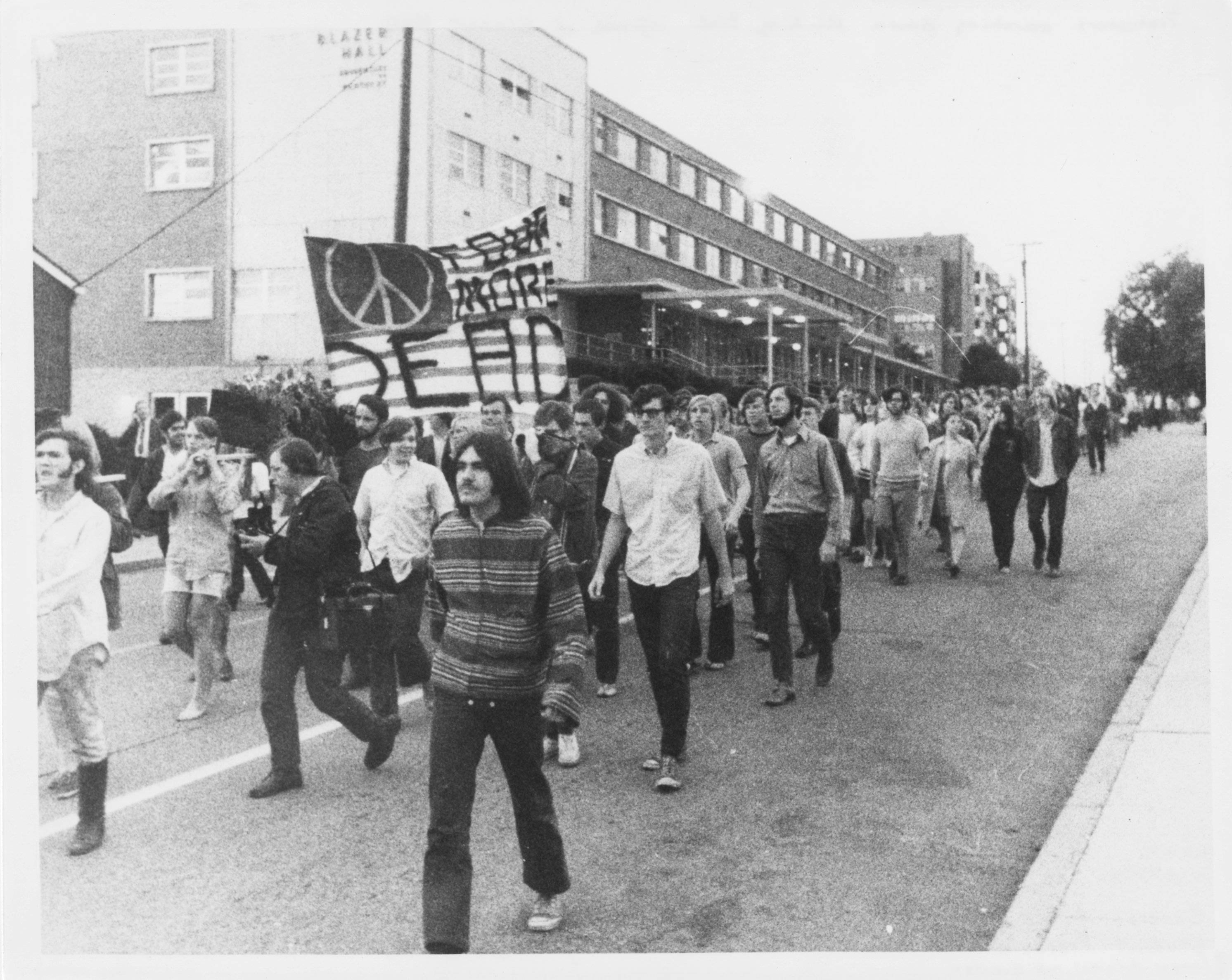 a history of kent state riot of may 1970 Free kent state papers [tags: history nixon protest kent] 1360 words riot policing at the kent state riot of may 4, 1970 - riot policing at the.