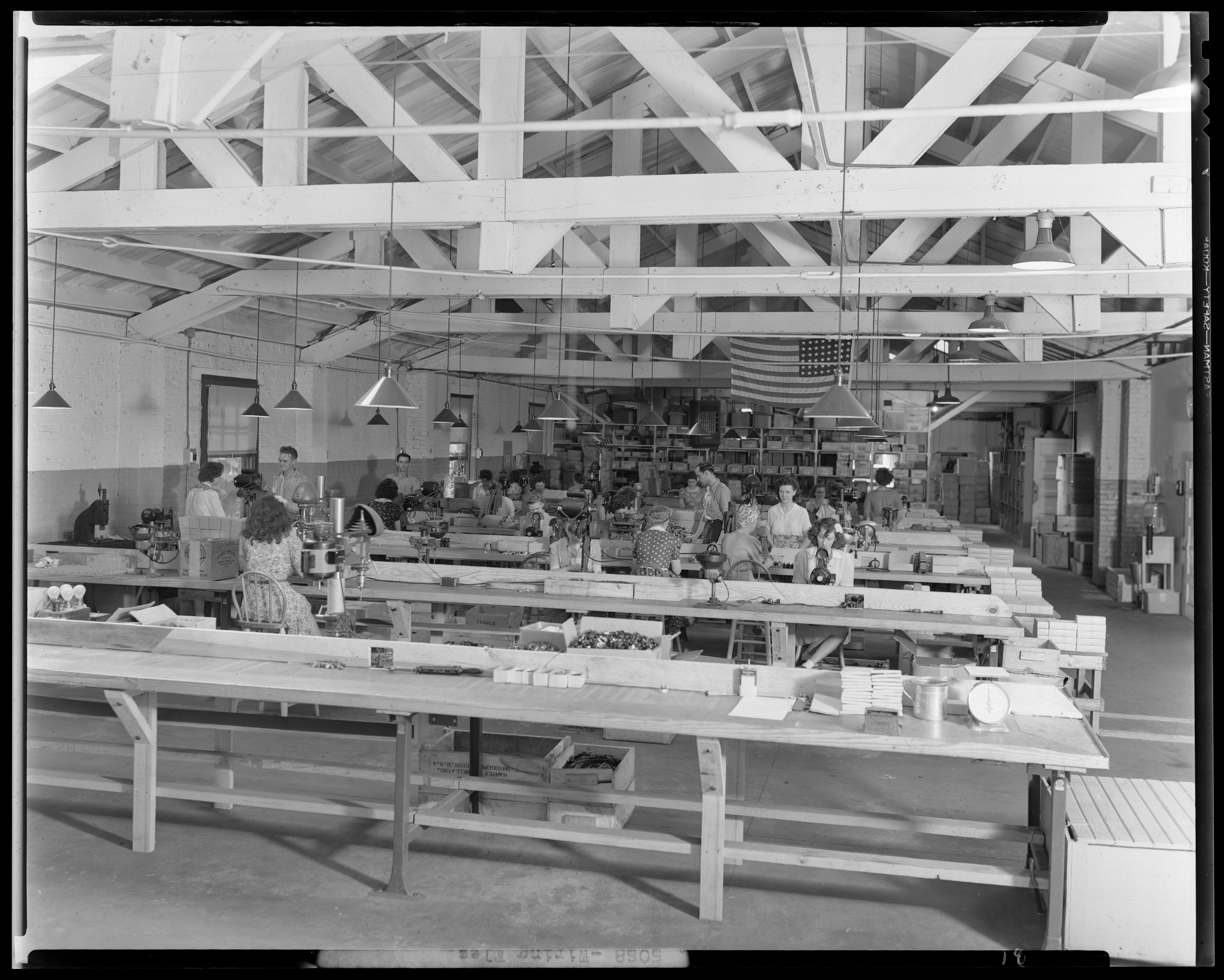 Wiring Devices Company, 418 South Upper; factory interior - Kentucky ...