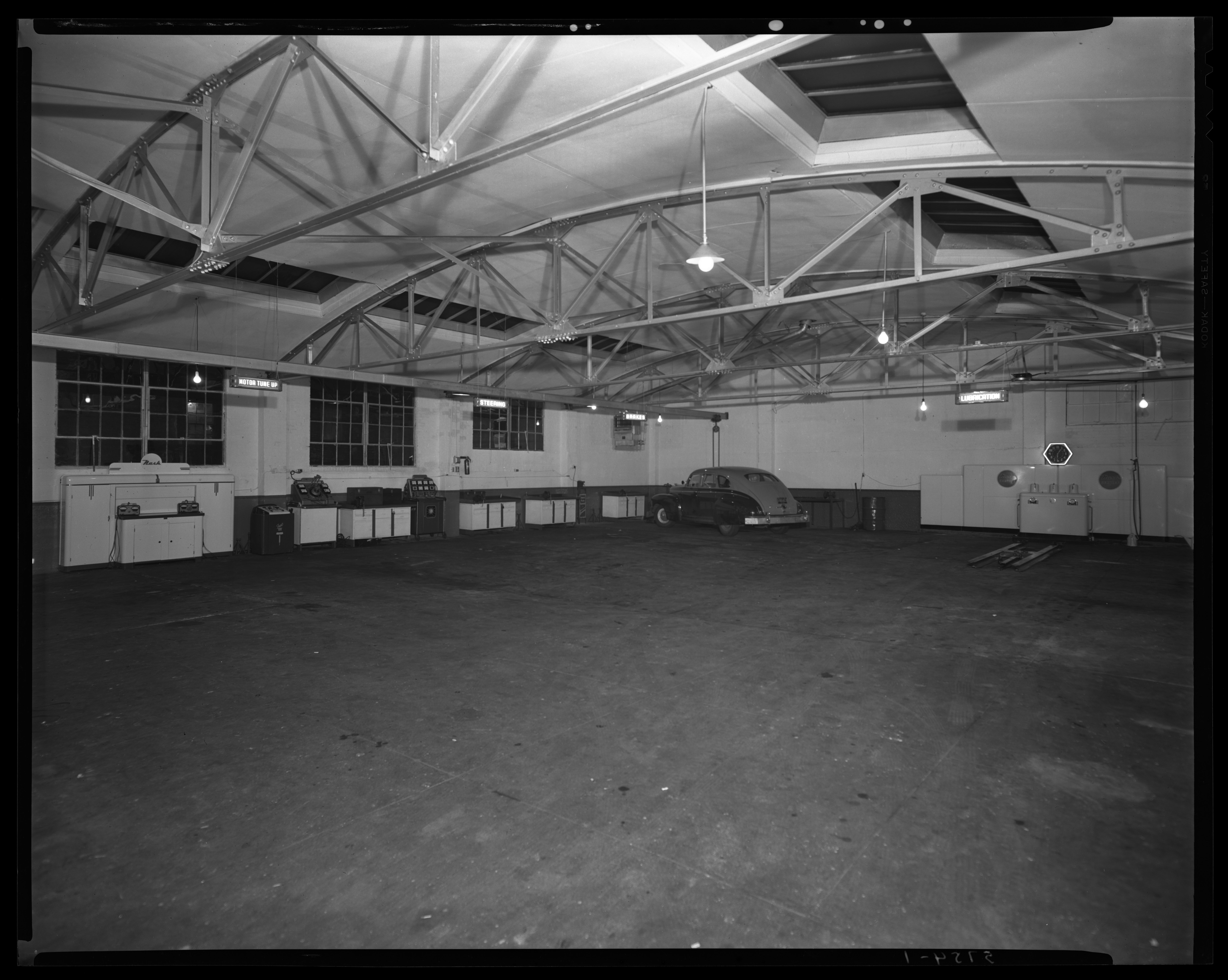 L.R. Cooke Chevrolet Motor Company, 255 East Main; interior of garage, 1947